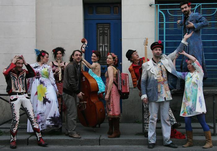 bringuebal-le-bal: photo nouveaux costumes rue ermitage
